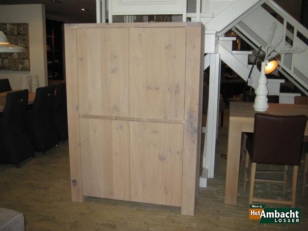 Stoer 4-deurs barkast eiken