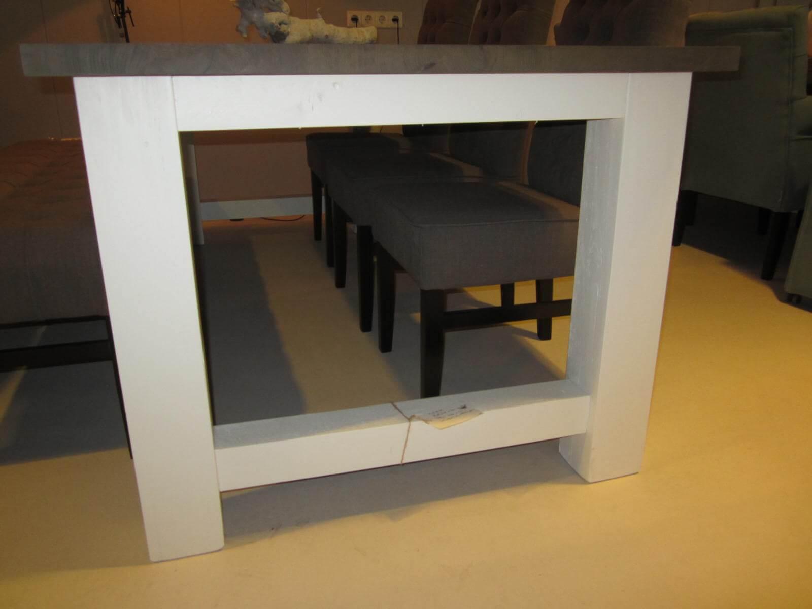 Bas eettafel eiken opruiming het ambacht losser woonwinkel meubelmakerij - Fauteuil bas ontwerp ...
